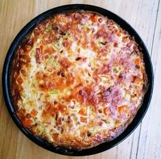 Do you like a cast iron dutch oven? Do you know that anything that you can cook in your oven or crock pot, you can pretty much cook in a cast iron Dutch oven? Dutch Oven Recipes, Keto Recipes, Cooking Recipes, Fire Cooking, Cast Iron Cooking, Lasagna Ingredients, Meat Lasagna, Cast Iron Dutch Oven, High Protein Low Carb