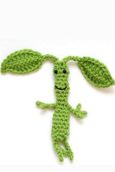 Free Crochet Pattern: Baby Bowtruckle from Fantastic Beasts (via blog.twinkiechan)