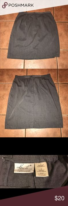 Kathie Lee Skirt Grey skirt Zips up in the back  Waist has some stretch  Great Condition Skirts Pencil