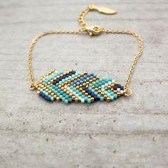 Le produit Bracelet ★plume ★ tissé en perles de verre Miyuki est vendu par My-French-Touch dans notre boutique Tictail. Tictail vous permet de créer gratuitement en ligne une boutique de toute beauté sur tictail.com
