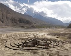 Andrew Rogers – Labyrinth – Winding Path, a labyrinth in the Kaligandaki Gorge, the deepest on Earth, in Jomsom, Nepal.