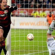 Javier Hernandez 'important' for Leverkusen - Roger Schmidt