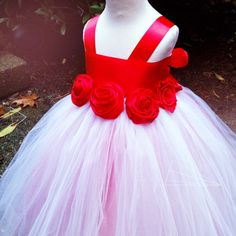 Classic wedding color, love it with all red roses around