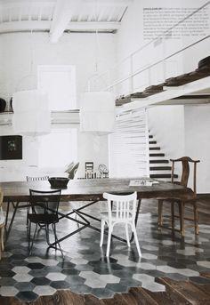 tomettes noires grises blanches et parquet pour sol cuisine
