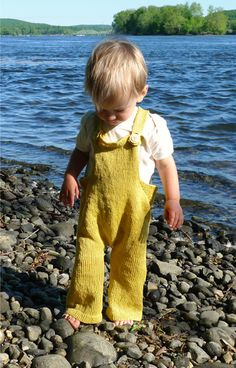Toddler Overalls - the purl bee  The Pattern  Gauge    22 1/2 stitches = 4 inches in stockinette stitch  Finished Size    To fit an 18 - 30 month old.