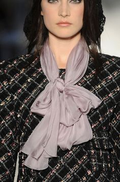 Chanel / Fall-winter scarves