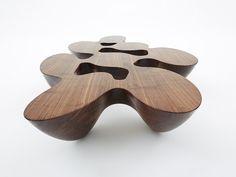 mesa orgânica de madeira