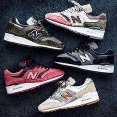 What a collection! What is your favorite New Balance New Balance Outfit, New Balance Sneakers, New Balance Shoes, New Balance 997, Comfy Walking Shoes, Best Shoes For Men, Retro Shoes, Trends, Sneaker Boots