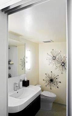 Bathroom remodel is bright, modern and sparkly   The Seattle Times http://seattletimes.com/html/homegarden/2003338842_personalspacecaphill04.html