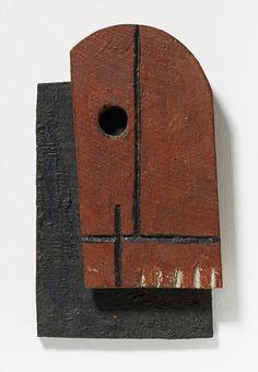 1931, Joaquín Torres García: Dos formas superpuestas. Oil and nails on wood 26 x 16 x 3 cm. Private collection, Switzerland.