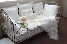 what a daybed, i m in love with this one