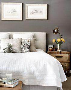 schlafzimmergestaltung graue wand weiße steppdecke vintage