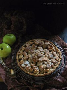 Apple Pie with Caramel & Goat Cheese | une gamine dans la cuisine