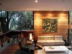 A home surrounded by nature - The Apolo 11 House by Parra + Edwards Arquitectos is located in Santiago, Chile. Wood Interior Design, Interior And Exterior, Exterior Design, Cabana, Home Living Room, Living Room Designs, Tree House Interior, Modern Tree House, Tree House Designs