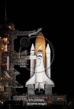 size: Photographic Print: Space Shuttle Atlantis Sits Ready on its Launch Pad at Kennedy Space Center, Florida : Transportation