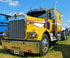 Another beauty I came across at the Southern Classic Truck Show, owned by retired Craig Krumpton of West Columbia, S.C. Krumpton picked this 1971 Kenworth W900 in 2008. Its original owner-operator …
