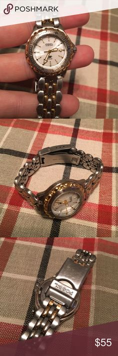 Fossil blue watch in silver Great condition. New watches. Fossil Accessories Watches