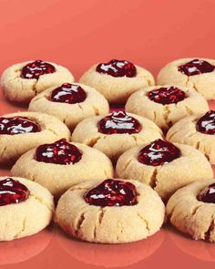 Peanut butter and jelly thumbprint cookies.These cookies take their flavor cues from the lunch-box favorite. Jelly Cookies, Jam Cookies, Peanut Butter Cookie Recipe, Peanut Butter Recipes, Cookies Et Biscuits, Cookie Recipes, Cookie Ideas, Cookies Kids, Drop Cookies