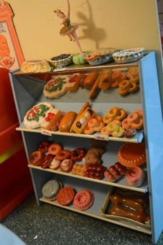 Found on EstateSales.NET: Miniature pastries and cakes!