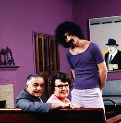 Frank Zappa with his mom and dad, Francis and Rosemarie, in 1970. (John Olson—Time & Life Pictures/Getty Images)