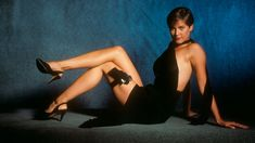 Pam Bovier - Carey Lowell - James Bond 007 - Licence to Kill 1989 Kim Basinger, Grace Jones, Vanity Fair, James Bond Ladies, Barbara Carrera, Best Bond Girls, Carey Lowell, Licence To Kill, Timothy Dalton