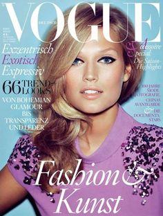 Toni Garrn for Vogue Deutsch August 2012 Cover Vogue Covers, Vogue Magazine Covers, Fashion Magazine Cover, Fashion Cover, V Magazine, Toni Garrn, Claudia Schiffer, Vanity Fair, Vogue Fashion