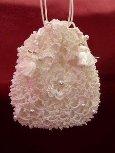 Free Crochet Wedding Bag Pattern : 1000+ images about Kristen on Pinterest Bridal garters ...