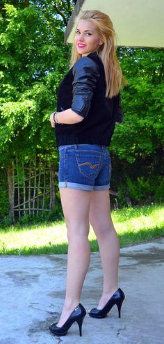 #leatherjacket #shorts #fashion #fashionblogger #blog #beauty #lifestyle #health www.cvetybaby.com