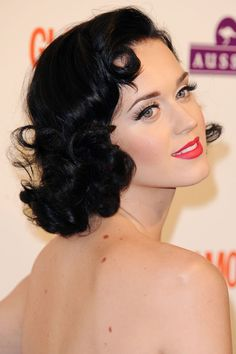 Katy Perry - vintage curls and classy neutral makeup.