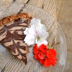 am obsessed. Vegan Banana Coconut Cream cheesecake with an Anzac biscuit crust. YUM