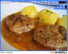 Panenkové medailonky dušené na špeku a cibuli No Salt Recipes, Meat Recipes, Cooking Recipes, Czech Recipes, Ethnic Recipes, Good Food, Yummy Food, Food 52, Family Meals