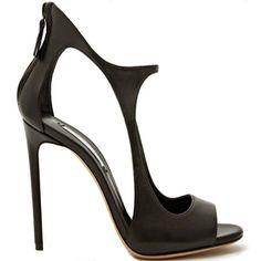 Amazing minimal shape shoes by Casadei http://www.freakystar.blogspot.com