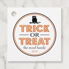 #affiliatelink #promo Trick Or Treat Spooky Owl (Black/Orange) Favor Tags #favor #party #happy #halloween #trick #FavorTags #halloweenfavors #halloweenparty #halloween #halloweenentertaining #zazzle Halloween Party Favors, Halloween Trick Or Treat, Scary Halloween, Happy Halloween, Halloween Entertaining, Brown Paper Packages, New Students, Party Guests, Favor Tags