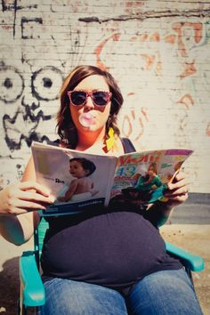 Proof you can be nerdy, pregnant, artsy, and totally smokin' in your maternity photos | Offbeat Mama