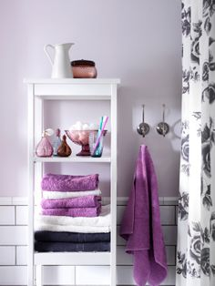 Lovely bathroom set up 2014 Pantone Color of the Year - Radiant Orchid - HÄREN towels in a similar shade look fresh against white and gray.