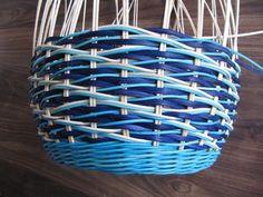 Обалденный Узор!!!! Плетение из газет: csirith Hobbies And Crafts, Diy And Crafts, Weaving Patterns, Weaving Techniques, Basket Weaving, Projects To Try, Creations, Baskets, Home Decor