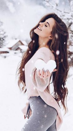 Ideas For Photography Inspiration Winter Photographers Snow Photography, Girl Photography Poses, Creative Photography, Fashion Photography, Editorial Photography, Shotting Photo, Winter Instagram, Disney Instagram, Foto Casual