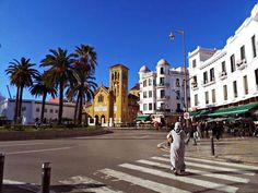 Tetuán, la ciudad más andalusí de Marruecos Marrakech, Art And Architecture, Morocco, Costa, Street View, Random, Islands, Countries, Cities