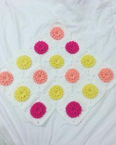 Popcorn güzelliği   #örgü #örgüsaati #bebekbattaniye #battaniye #örgümotif #yarn #patterncrochet #pattern #crochet #crochetblanket #crochetedwithlove #crochetflowers #crochetlove #crochetlover #crochetgram #crocheting #ing #hanmade #crochetfun #crocheter #yarnlove #yarnaddic #yatakörtüsü #yatakortusu #granny #örelim #örenbayan #knitting #ig #love by busenin_orguleri