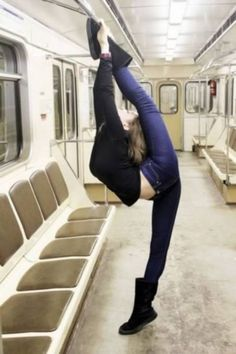 12 Craziest Flexible People Stretching in Public - Oddee.com