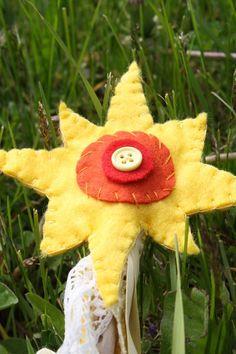 summer wand tutorial http://naturalkidsteam.com/wordpress/2012/06/photo-tutorial-summer-solstice-sun-wandready/