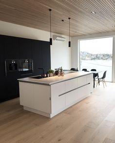 My sanctuary ✔️ #newhouse #interior #interior123 #scandiliving #oak #ceiling #spilehimling #gaggenau #bobedre #bonytt #abitono #interior4all