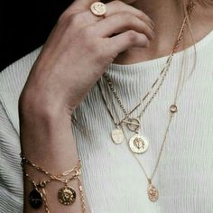 Our Queen Lock Golden Necklace is one of the many beautifully crafted, sterling silver, layering necklaces. Mix and match your. Diy Jewelry Rings, Diy Jewelry To Sell, Jewelry Art, Jewelry Necklaces, Fashion Jewelry, Layering Necklaces, Fine Jewelry, Cheap Jewelry, Trendy Necklaces