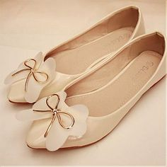 Lovely Pointy Closed Toe Flowers Embellished Bowknot Patent Champagne Leather Flats