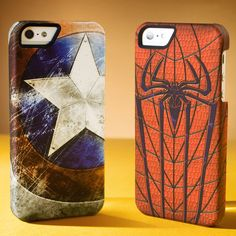 The art on the Marvel Collector's Edition iPhone 5 Cases blows me away. This is the way to protect your phone, Marvel fans. Each clip-on case features classic artwork for Spider-Man and Captain America. Iphone 4s, Iphone 5 Cases, Cool Phone Cases, Coque Iphone, Phone Covers, Iphone Design, Smartphone, Marvel Dc, Marvel Room