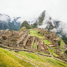 Insta / alejandro.photo: Machu Picchu #Peru // We woke up at 4am in Aguas Calientes. Completely dark night. We havent had the time to do the Inca trail so we thought the minimum to earn the view of Machu Picchu in some way was hiking up to it from the bottom from the town of Aguas Calientes. So there we were 4 am raining and cold but we had our 2 $ plastic ponchos no problem! haha. Machu Picchu was awaiting. We walked for some hours walking up the ancient stone stairs viewing lush and…