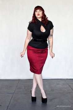 Curves to Kill...  Model - Teer Wayde   Clothing - Mode Merr