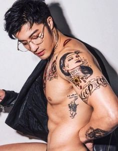 """"""" model/actor edison fan for anastasia beverly hills. he truly looks like an ethereal god"""" Asian Tattoos, Sexy Tattoos, Tattoos For Guys, Hot Asian Men, Asian Boys, Handsome Asian Men, Edison Fan, Ulzzang, Taehyung"""