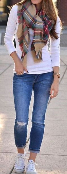Casual fall outfit ideas that anyone can wear teen girls or women. The ultimate fall fashion guide for high school or college. Comfy casual outfit with skinny jeans, white t shirt, converse sneakers and scarf
