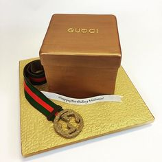 bling Gucci box and belt Cakes 3d Cakes, Cupcake Cakes, Gucci Cake, Gift Box Cakes, Gucci Gifts, Cupcake Toppers, Birthday Cakes, Happy Birthday, Cake Decorating
